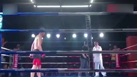 传统武术VS现代格斗擂台再战,这次地是真的滑啊!