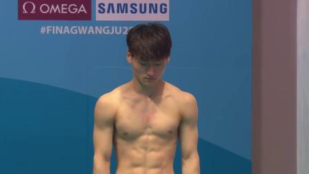 韩国选手刚出场就全场欢呼,结果这一跳严重失误,自己都尴尬!