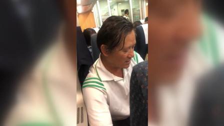 高铁外放视频叶璇劝阻被骂 你神经病啊