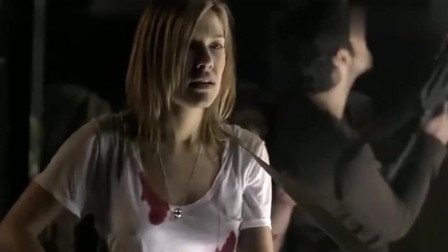 三十极夜:众人被吸血鬼包围,不料美女找到,将吸血鬼团灭