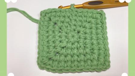 这样的包底容量很大,正方形包底的编织教程,也可以钩成坐垫哦!