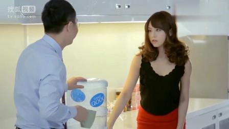 《屌丝男士》大鹏给吉泽明步装水,这演技真的没话说