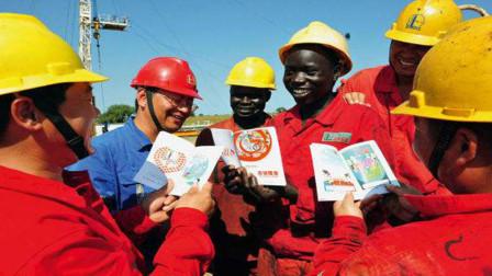 非洲如此落后,为啥中国还要大量投资?不得不佩服中国智慧