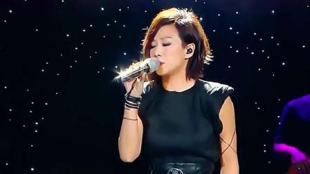 林忆莲凭这首歌火爆华人圈,温暖有爱,传唱至今,无法超越的经典