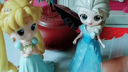 育儿亲子游戏玩具:爱莎公主不想做坏事情了快来帮帮忙吧