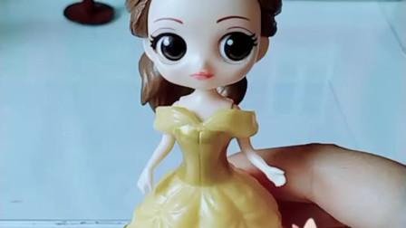 育儿亲子游戏玩具:白雪不再白了,贝儿让她成黑人了