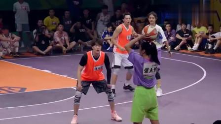 """我要打篮球:太强了!""""虎扑女神""""石一童,这运球水平完全不亚于男生"""