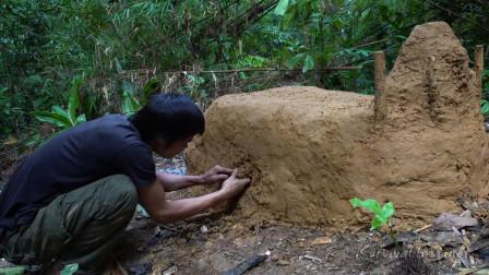 丛林生存,小哥垒起泥巴窑烧陶器,结果失败了!