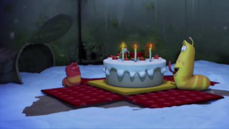 爆笑虫子,圣诞节蛋糕,竟被鞭炮破坏了,求俩虫子心理阴影面积