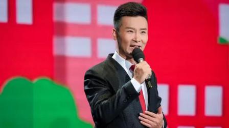 8岁小女孩携手歌唱家刘和刚合唱《我和我的祖国》,尾音比王菲还干净