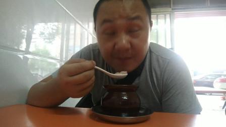中国吃播vlog1010:南昌炒饭配鸡蛋肉饼瓦罐汤