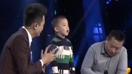 4岁男孩登台献唱,舅舅讲出歌曲背后的故事,观众潸然落泪