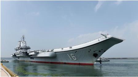 越南渔民近距离观察中国辽宁舰,看似没有威胁但不得不防!