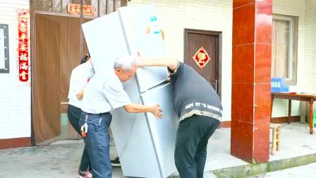 农村姑娘网上购买二手家电,冰箱洗衣机一共800块钱,划算吗
