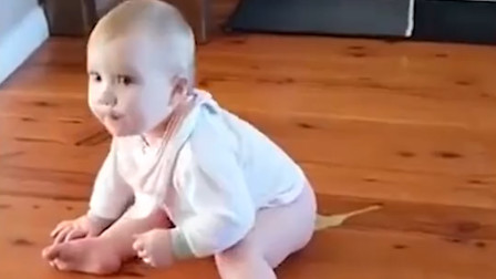 宝宝突然使劲放屁,导致直接拉便便了,太可爱了!
