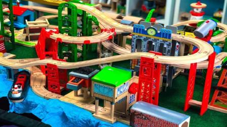 炫彩飞机轮船玩具装饰火车环绕轨道