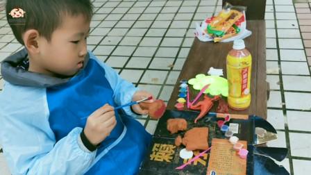 萌娃用陶泥制作蘑菇和雪糕,快乐的手工制作时间,让孩子尽情的发挥