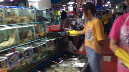 海南三亚最大海鲜市场,波士顿龙虾150一斤,算贵吗?