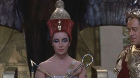 50岁埃及艳后用毒蛇结束生命,死后仍是少女面容,专家解开谜团