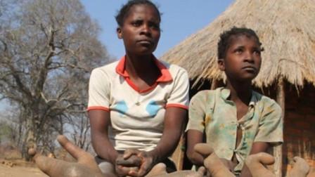 神秘的非洲原始部落,当地人只有2个大脚趾,专家透露真相