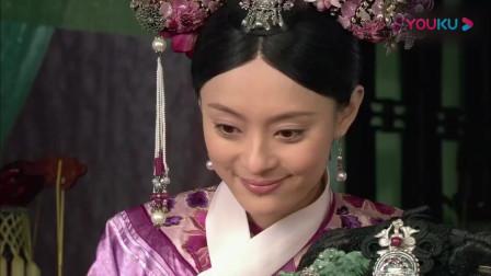甄嬛传:安陵容到甄嬛宫里,甄嬛为她打扮了一番,穿上了艳丽服饰