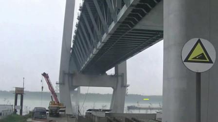湖北荆州第4座长江大桥,上面跑汽车下面跑高铁的双层钢结构模式