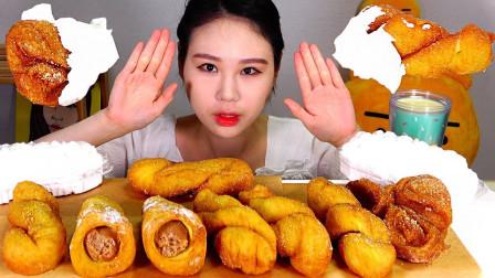 """韩国吃货卡妹,吃""""海螺泡芙+麻花+糯米甜甜圈"""",看这吃相,馋人"""