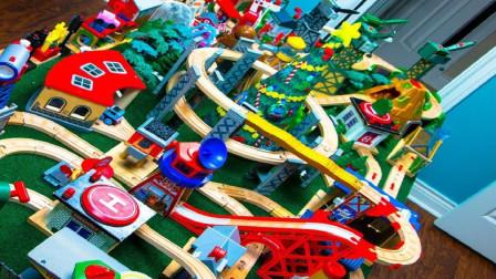 帮助托马斯组装多层积木轨道玩具
