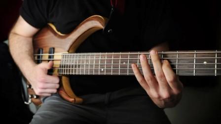 今天用Bass演奏一首唐朝乐队的《国际歌》