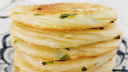 葱香旋饼标准做法,切一刀,拧两圈,外酥里软葱香浓,比馒头简单