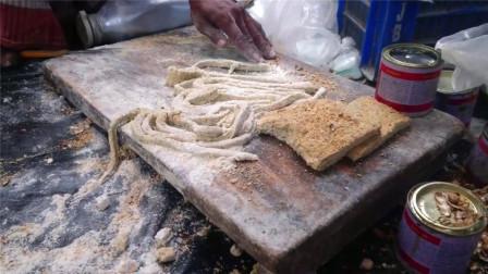 印度街头重口味糕点,制作环境让人望而却步,看完一口都不敢吃!