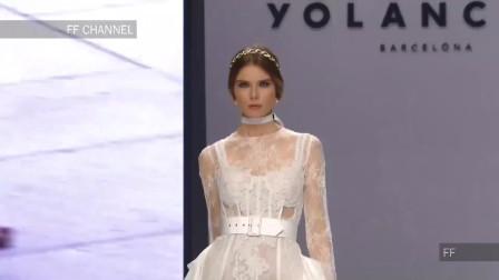 白色蕾丝长裙,独特的绣花,满满的时尚感