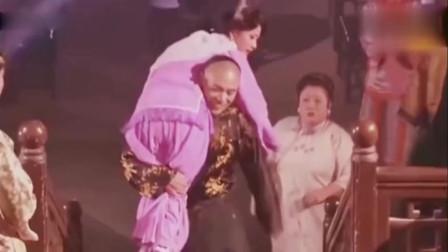 大宅门:陈宝国这段自己看了都笑,自己偷偷干了什么你不知道吗?