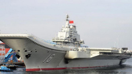 中国航母启动黑烟滚滚,看看英国第二艘航母就知道这是正常现象