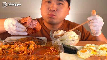 韩国大胃王胖哥,吃肥牛火腿和煎蛋,配着米饭吃能吃一大盆