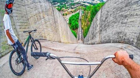 老外用自行车,挑战速降连下1000米下坡,场面刺激又过瘾