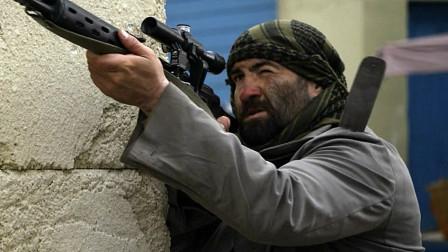 精彩的现代战争片,武装分子冲撞美大使馆,拿起机枪疯狂扫射