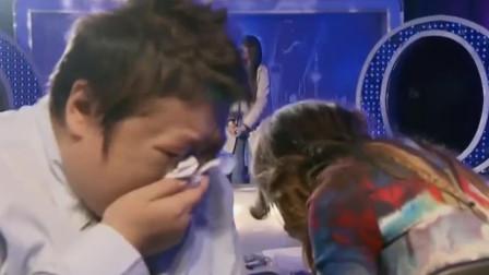 流浪歌手一夜唱红的歌,韩红李玟掩面痛哭,汪峰都达不到这水准