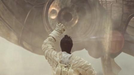 一部高分科幻短片,外星人降临地球,身高数百米,视人类如蚂蚁
