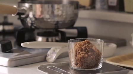 《韩国农村美食》清甜的牛奶布丁,浇上红糖汁,香甜好吃