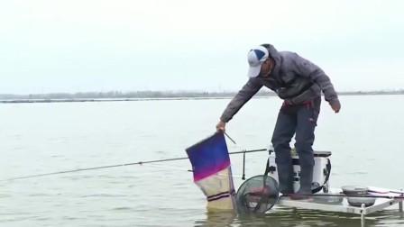 钓友和师傅比渔获,姜还是老的辣啊!