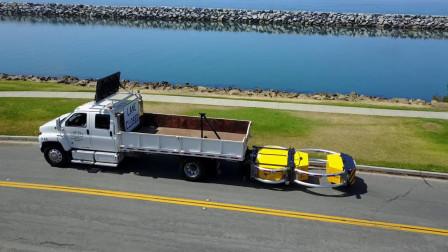 """老外发明的卡车""""防追尾神器"""",小车追尾不会钻车底减轻伤亡"""