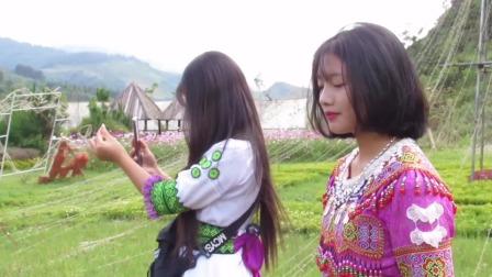 越南景区苗族姑娘舞蹈,踏着飘逸的舞步吸引众多人围观