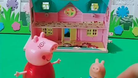 宝宝喜欢玩玩具:乔治不在家,可把家人高兴坏了