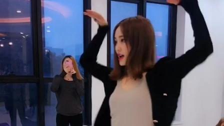 黑衣 美女舞蹈老师