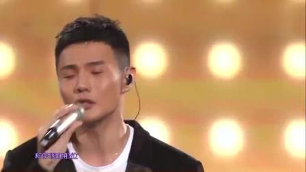 李荣浩演唱《年少有为》,让人轻易走进歌里,听完也眼眶红了?