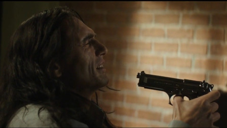 汤米演技很水,朋友格雷格还鼓励他,甚至为他放弃好的机会