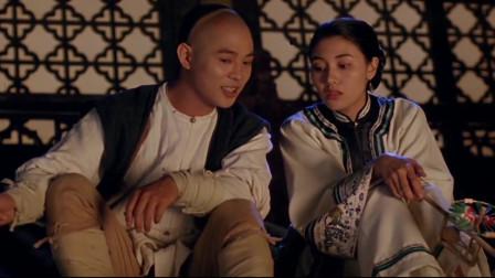 李连杰和李嘉欣楼顶说着情话,郭蔼明也跑过来横插一嘴。个人觉得李连杰最搭的银幕情侣都在这了