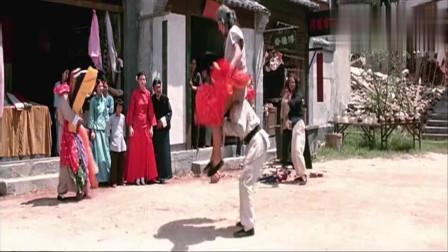 《师弟出马》:龙哥使出绝招, 竟穿上裙子与人对打!