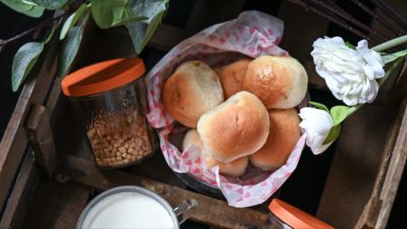 """我的日常料理 第二季 教你成功制作松软如云多的""""抹茶枫糖果酱颗粒面包"""